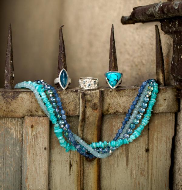 Ketten Ringe Ohrringe Handreif aus Aquamarin Türkis Kyanit Silber bedampftem Bergkristall von Edel und Stein Schmuckdesign Esslingen